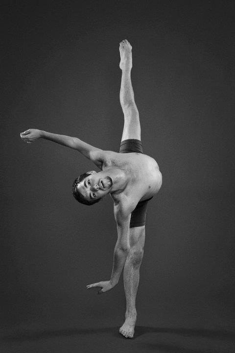 s dancer doing standing splits a dance move